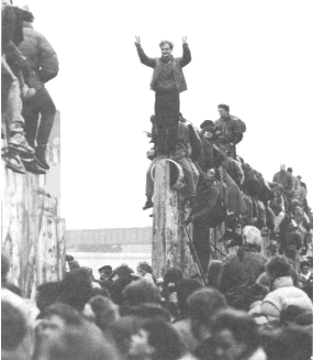 Picture of the Fall of the Berlin Wall